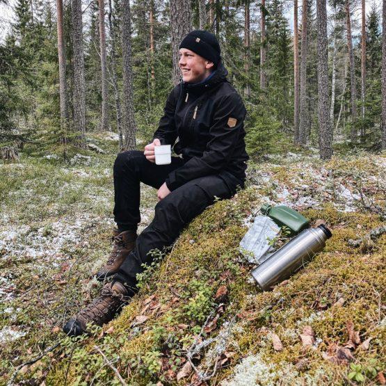 Miesten Ivalo vaellustakki ja vaellushousut