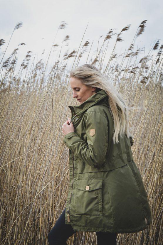 Naisten vihreä parkatakki - Ivalo Hilja